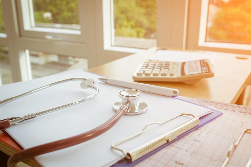 Entenda a relação entre gestão eficiente de benefícios e redução de custos para sua empresa.